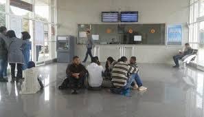 Photo of طلبة بوسكورة وعائلاتهم يعانون الأمرين في ظل غياب حل للنقل الجامعي