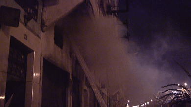 """Photo of كوارث""""الشارجور"""" مستمرة..حريق مُهول في محل للخياطة بحي بين المدن"""