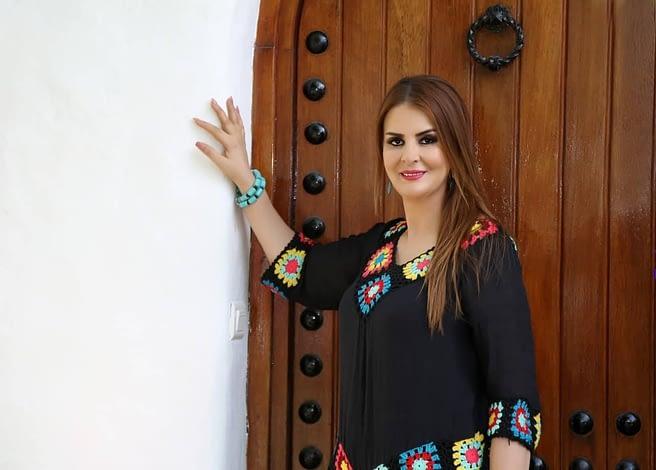 "Photo of فتيحة أمين تطلق فيديو كليبها الأخير تحت اسم ""Eso es el amor"""