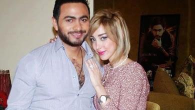 Photo of الفنان تامر حسني و زوجته بوسيل يحلان بالمغرب لحضور حفل زفاف