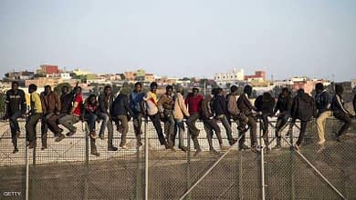 Photo of إصابة 12 عسكري خلال منعهم لأفارقة جنوب الصحراء من العبور لمليلية