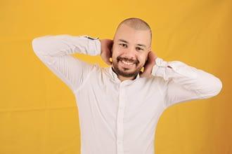 Photo of عزيز شكيري يطلق أغنية جديدة بعنوان ما عرفت مالي