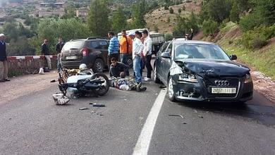 Photo of وفاة ثلاثة أشخاص في حادث سير خطير بأزيلال